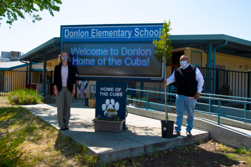 Lucky California Store Manager Donation Trees for Earth Day to Donlon Elementary